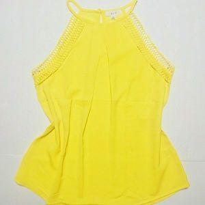 Tops - 🎈Yellow high neck tank top keyhole back s